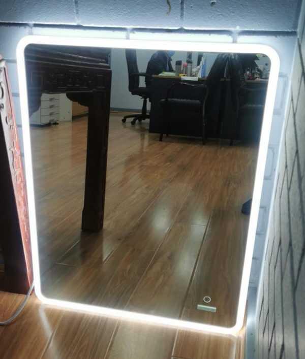 900x750mm LED Framed Mirror 2